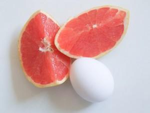 Яйца и грейпфрут