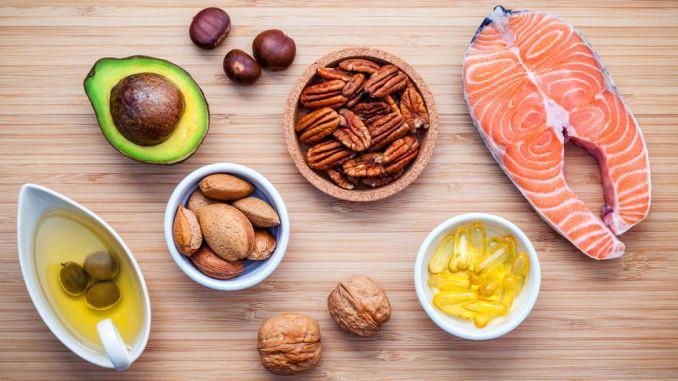 Консумирайте храни богати на Витамин D, омега 3 и витамин C